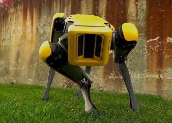 robot https://img.huglero.com