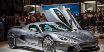 en hızlı elektrikli otomobil https://img.huglero.com