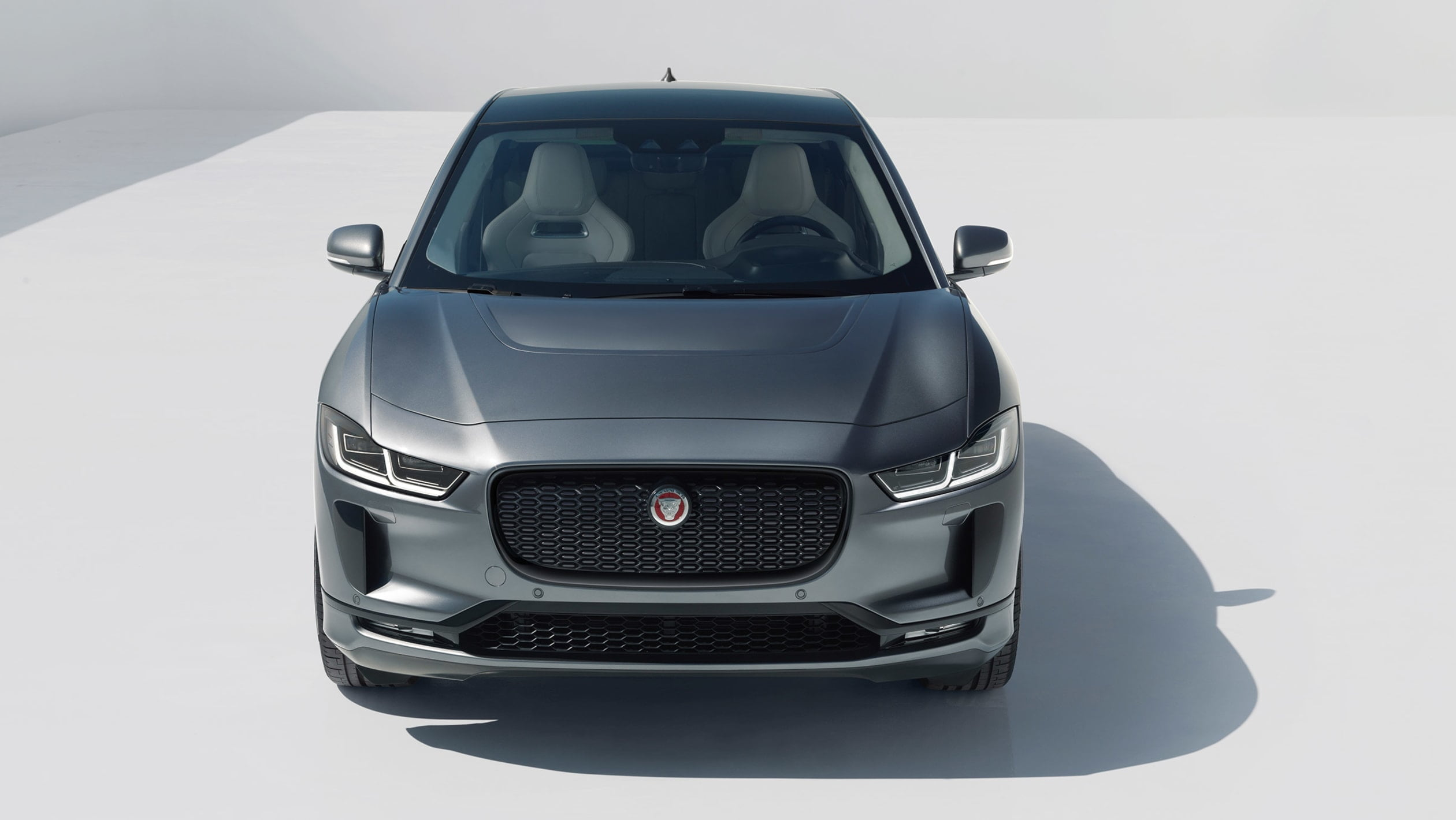 2020 jaguar I-Pace önden görünüşü https://huglero.com