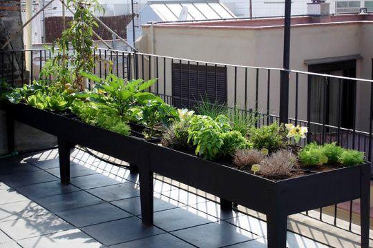 balkon bahçeciliği fikirleri yükseltilmiş yatak https://huglero.com