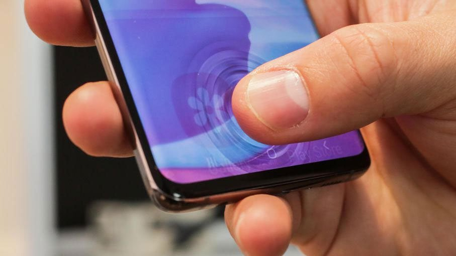 Ekran İçi Parmak İzi Olan En İyi 5 Android Telefon https://huglero.com