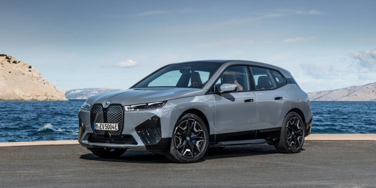 2022 BMW iX xDrive50 özellikleri https://huglero.com