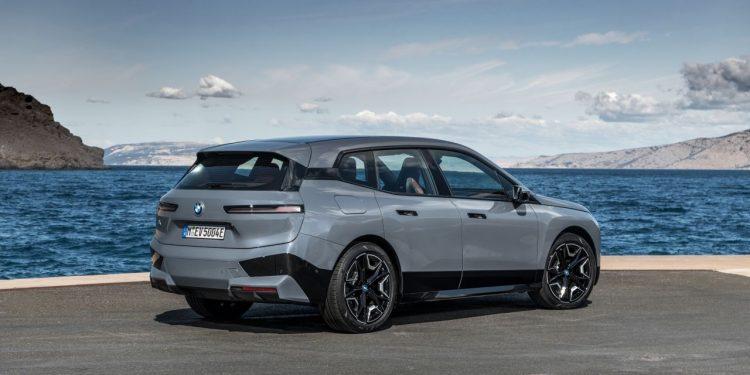 2022 BMW iX xDrive50 teknik özellikleri https://huglero.com