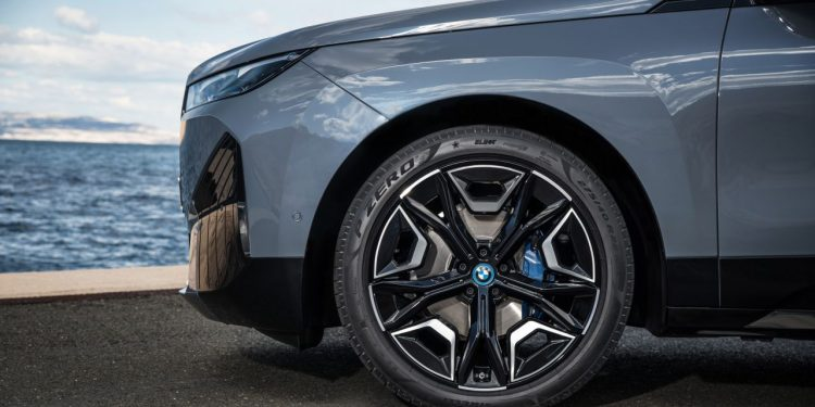 2022 BMW iX xDrive50 özellikleri jantları https://huglero.com