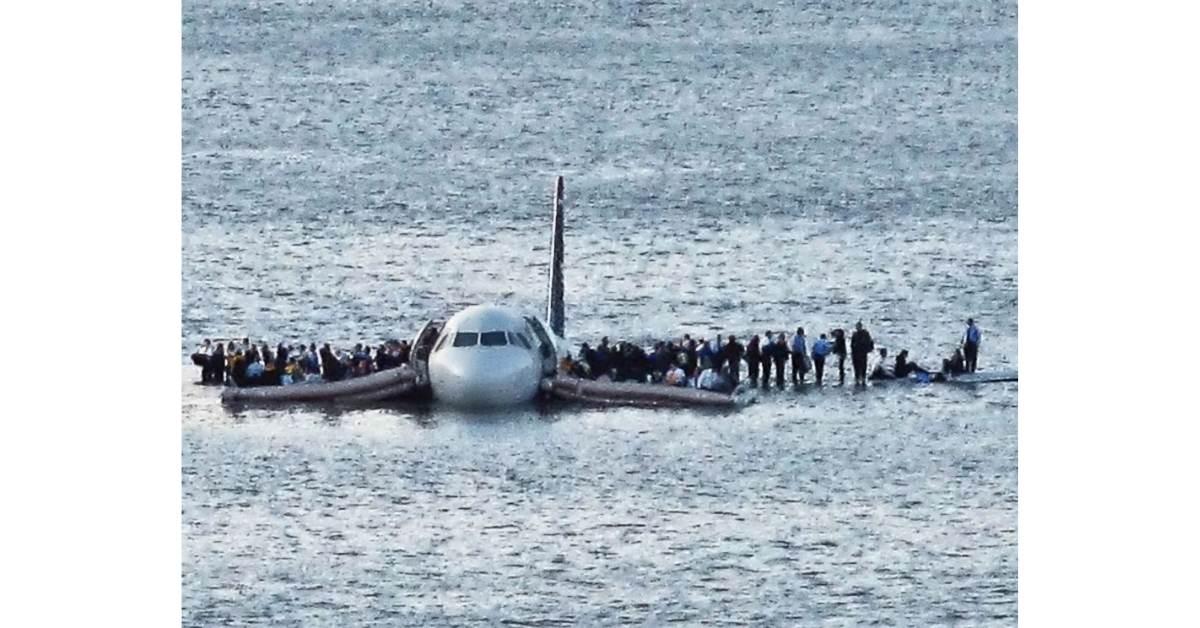 yolcu uçaklarında neden paraşüt kullanılmaz https://huglero.com